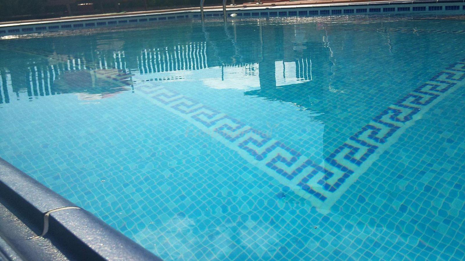 Revestimiento de gresite para piscinas autocontrol piscinas for Dibujos para piscinas en gresite