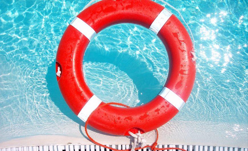 Aros de salvamento para piscinas